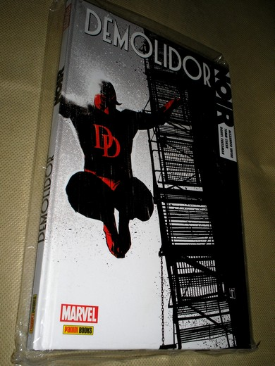 . MARVEL NOIR - DEMOLIDOR - vol 1 -  Capa dura